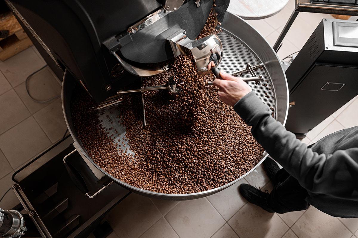 wypalanie kawy ziarnistej